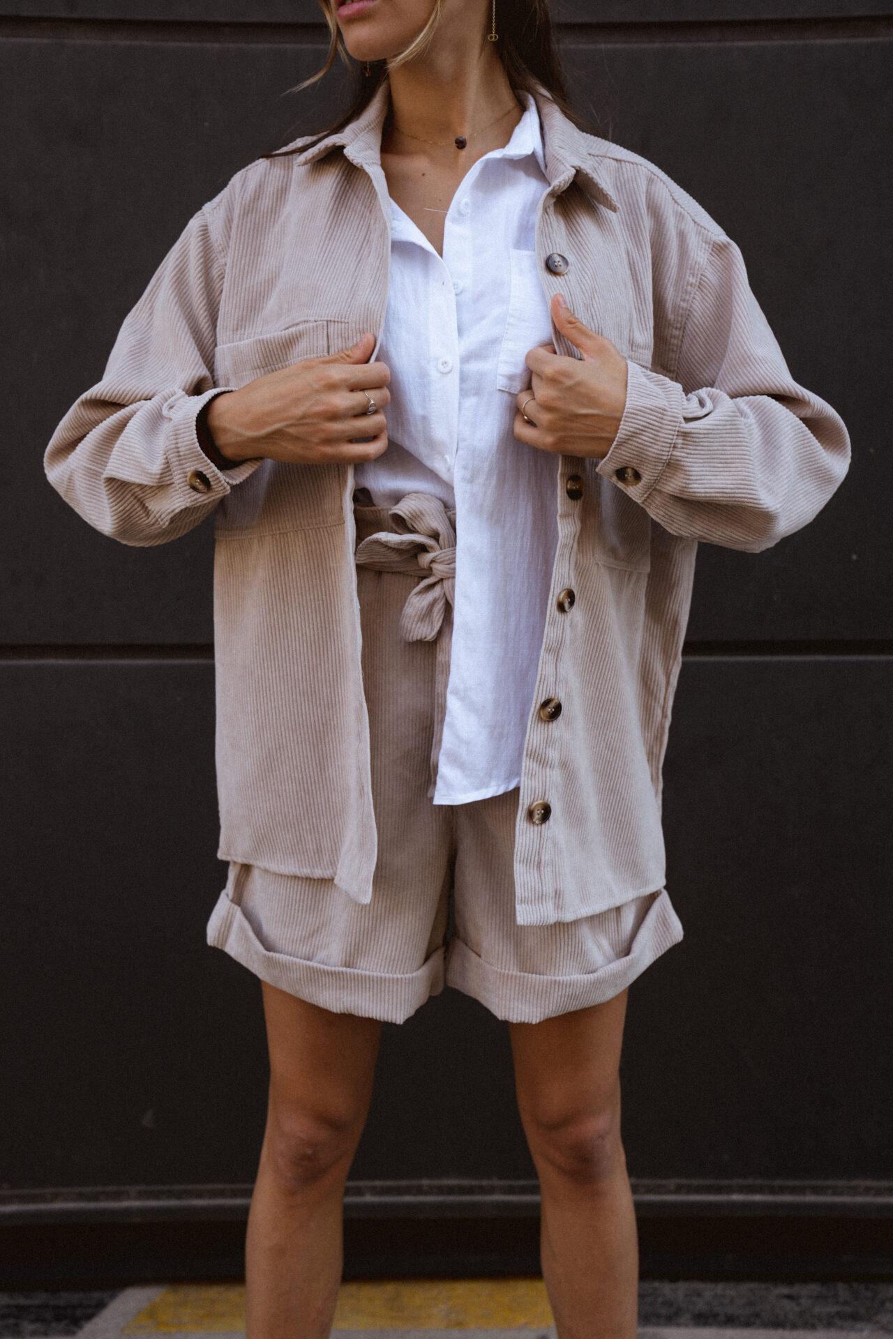 ensemble-veste-chemise-velour-cotelé-femme-beige-gisette-store (28)