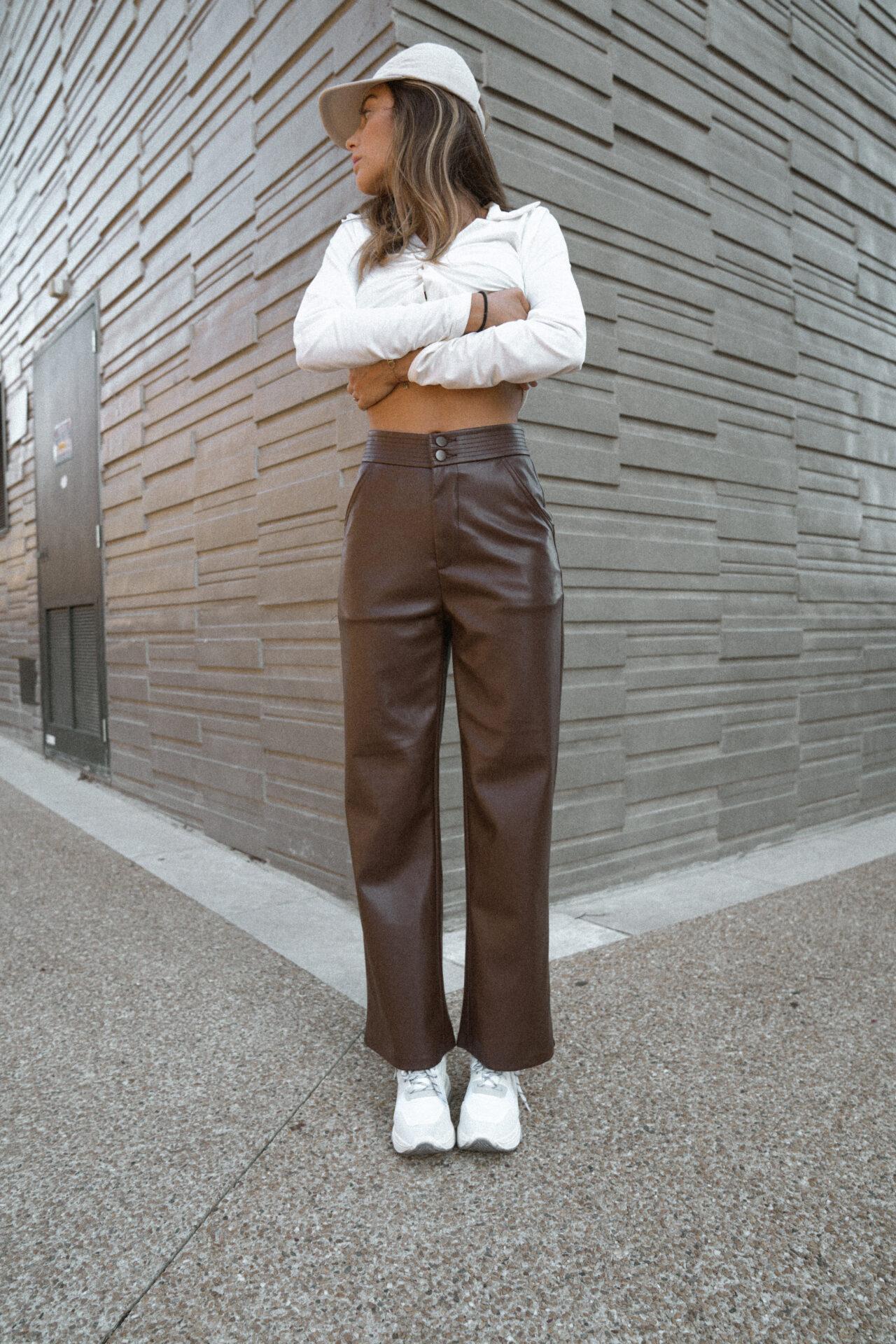 pantalon-simili-cuir-marron-chocolat-femme-gisette-store (24)