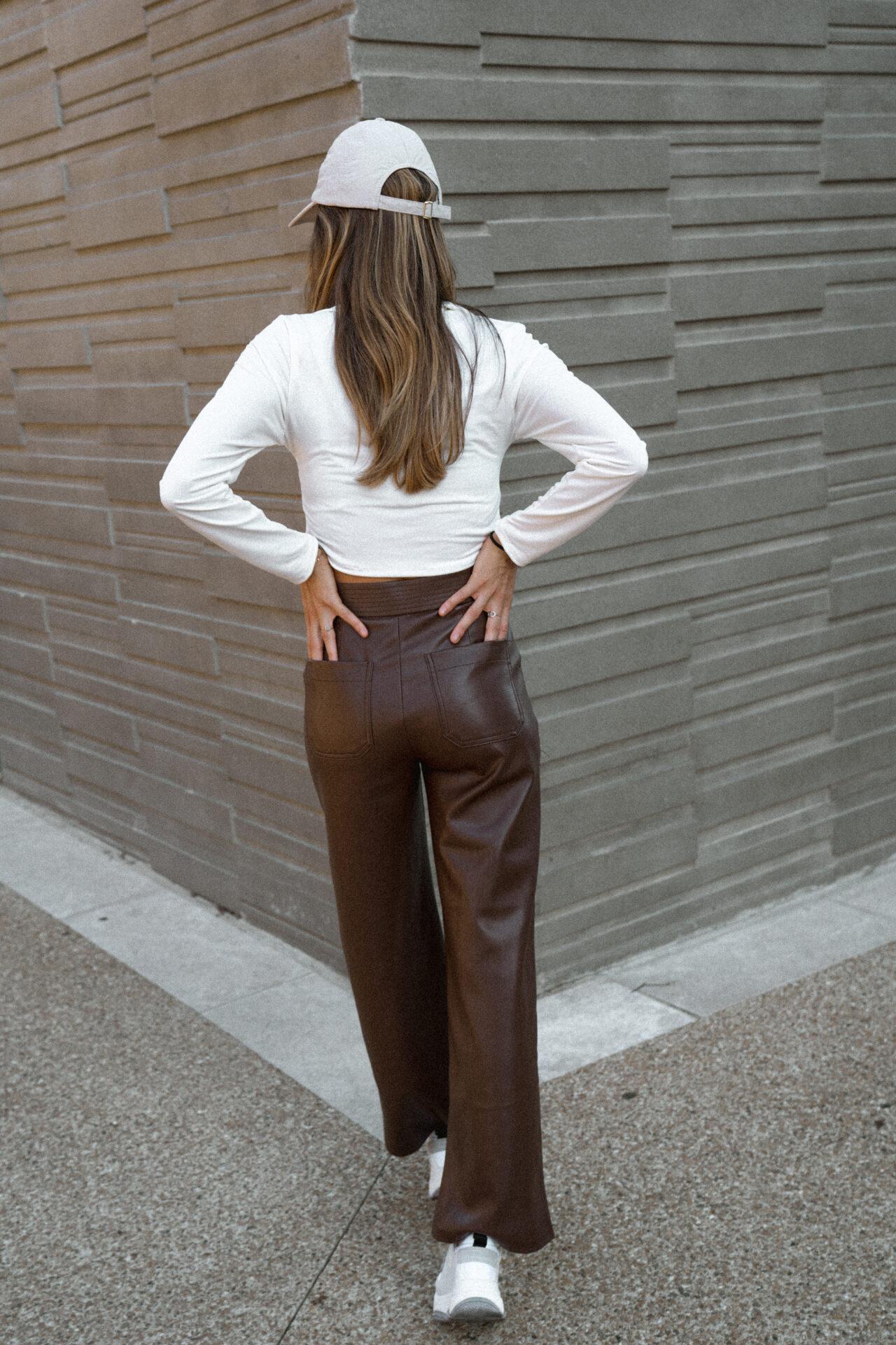 pantalon-simili-cuir-marron-chocolat-femme-gisette-store (30)