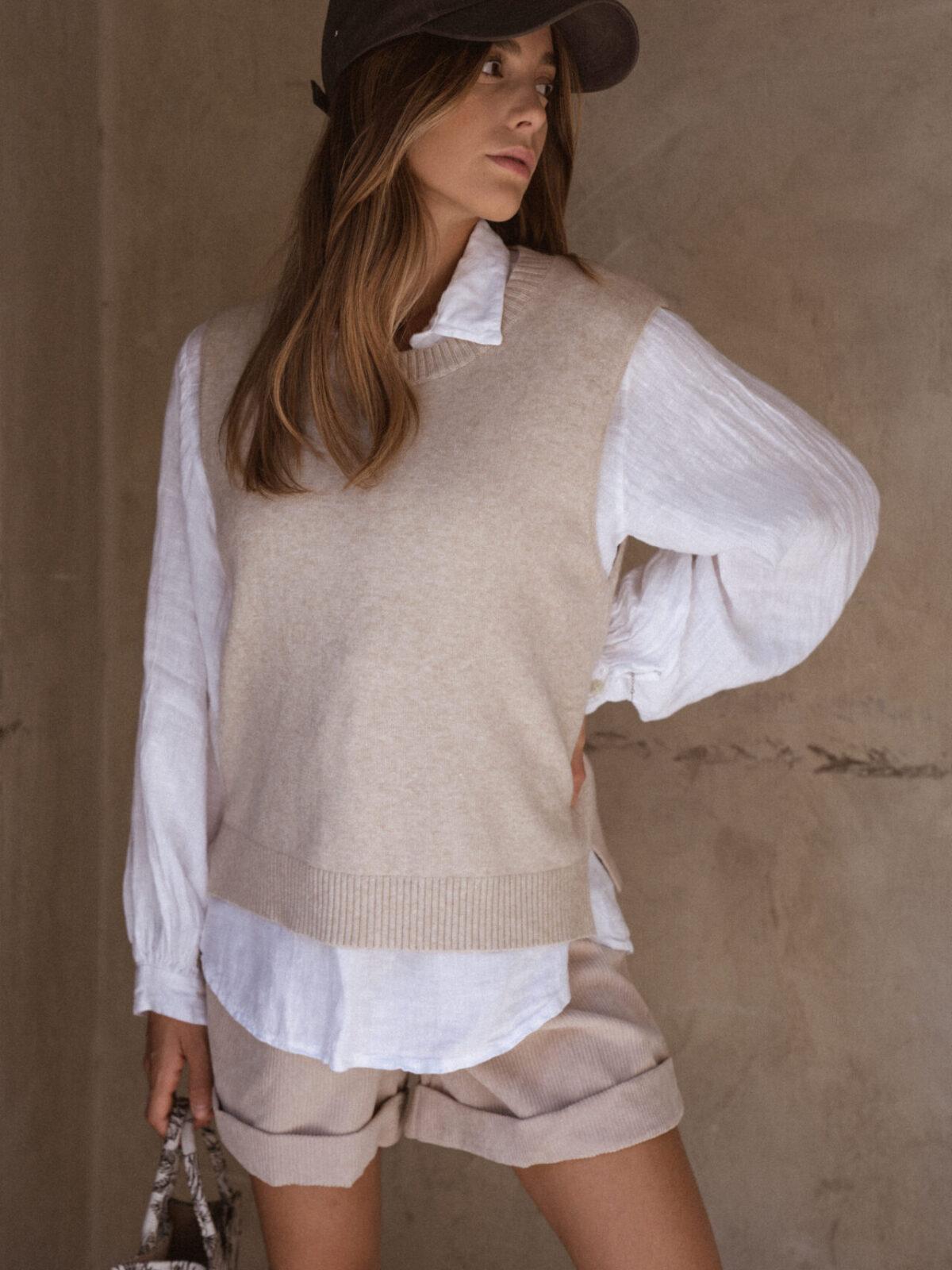 pull-sans-manches-beige-chemise-femme-gisette-store (10)