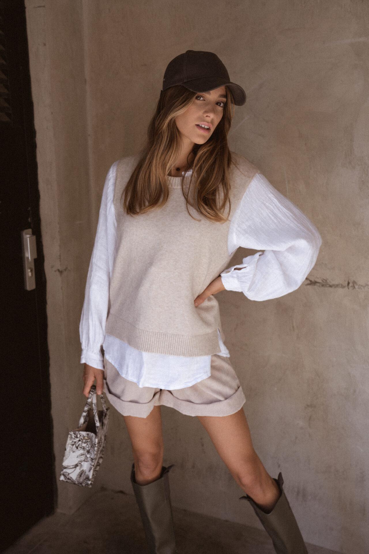 pull-sans-manches-beige-chemise-femme-gisette-store (5)